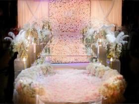 《粉色花墙》镜面T台亚克力婚礼路引花艺设计超多
