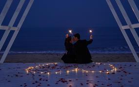 游艇出海+教堂+海边婚礼+夜景+酒店先拍摄后付款