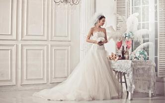 【限时特惠】3件套租赁含新娘跟妆全款免费伴娘服