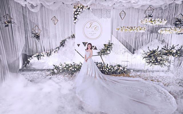 【喜尔婚礼】诗和远方 纯白金花艺自然系列