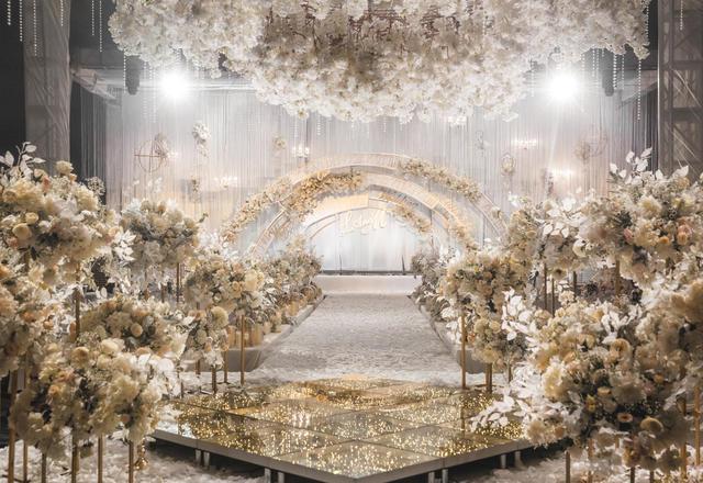 年度最佳人气婚礼策划现场香槟色唯美婚礼