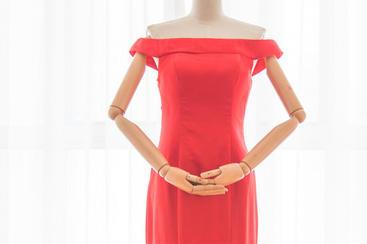 灵娆。简洁典雅高贵一字肩修身显瘦晚礼服