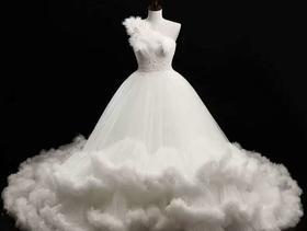 维多利亚婚纱礼服