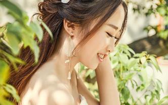 九悦造型新锐化妆师档 免费提供精美饰品