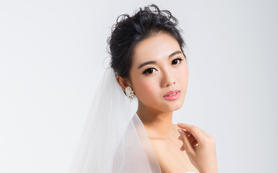 桔梗婚纱造型馆总监级化妆师套餐