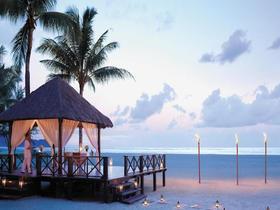 马来沙巴沙滩落日婚礼