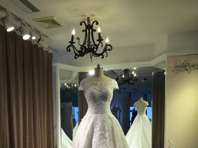 【La Via】法国蕾丝一字肩嫁衣