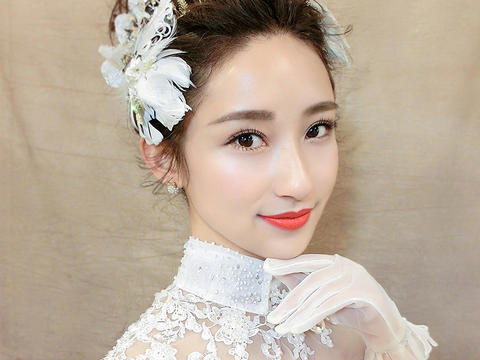 【VIP套系】总监化妆师+品牌婚纱+伴娘服妈妈妆