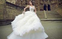 圣堂微光——时尚婚纱礼服