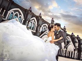 八月风尚-婚博会特价欧式婚纱照套系