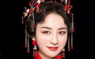 秀禾服+敬酒服+跟妆 首席化妆妆师一对一全程服务