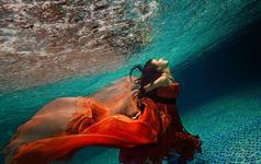 个人水下写真