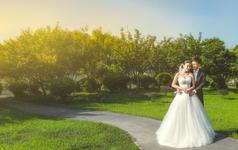 每一场婚礼我们都会为新人拍摄超越婚纱照的大片