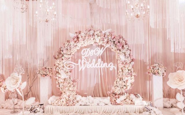 烂漫粉色婚礼   蜜语花开成了云,云也开成了花的