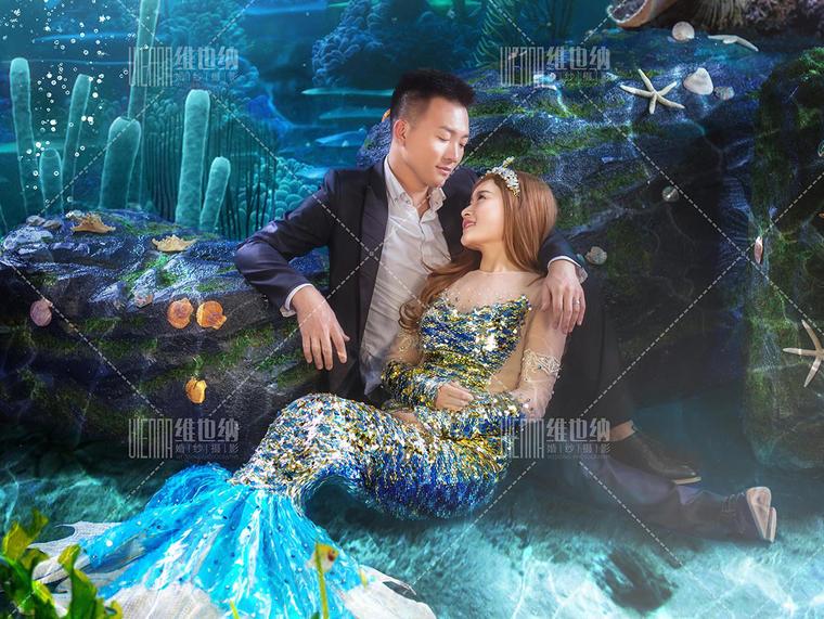 梦幻水下美人鱼婚纱照图片