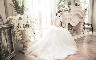 婚礼一站式套餐婚礼跟妆+婚纱+秀禾服+伴娘服