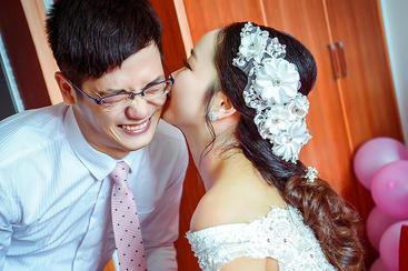 普天同庆,全国人民见证下的婚礼