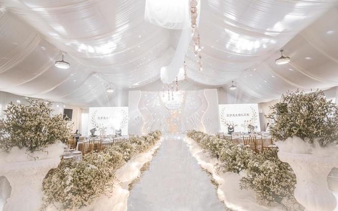 3000方草坪之上的室内华美婚礼(布置含场地)
