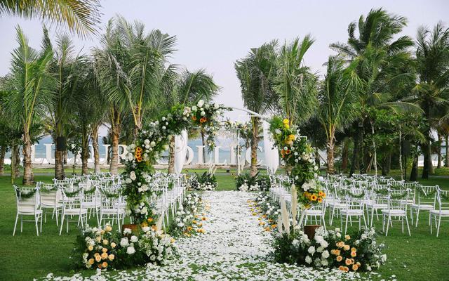 三亚微奢婚礼 | 一场风花雪月的事