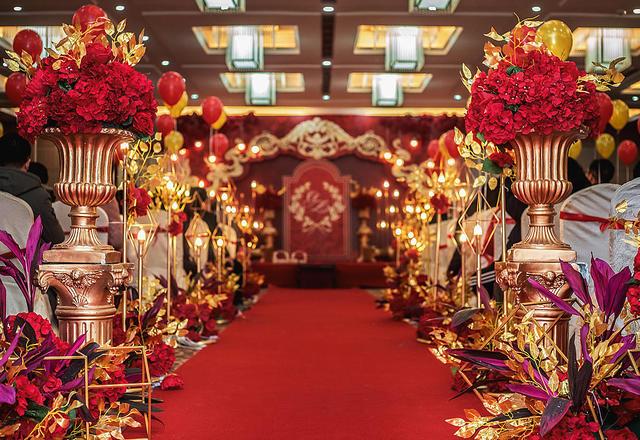 高端定制红金色奢华婚礼 汉口卓尔悦玺