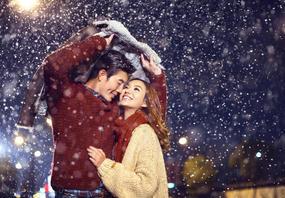《本季热销 底片全送》火爆雪景 个性时尚婚纱照