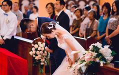 婚礼完整film《一场教堂婚礼的神圣,与爱》