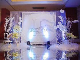 【米娜时尚婚典】全城热恋,双机摄像,T台,定制小清新婚礼