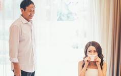 父亲眼里的女儿,永远都是那个心肝小宝贝。