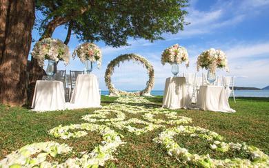 三亚婚礼策划海边草坪婚庆+旅行婚礼