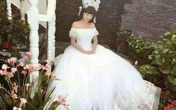 《凌曦婚纱礼服西装馆》高定款婚纱8件套系