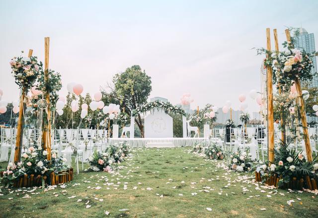 三生坊婚礼│ 和宴经典草坪户外婚礼 经典白绿