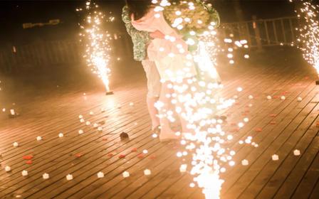 艾斯薇婚礼会馆——深海迷情心形灯海浪漫策划