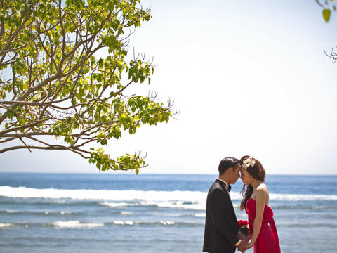 乐惟海外婚礼重庆店,巴厘岛宝格丽水上平台婚礼之三