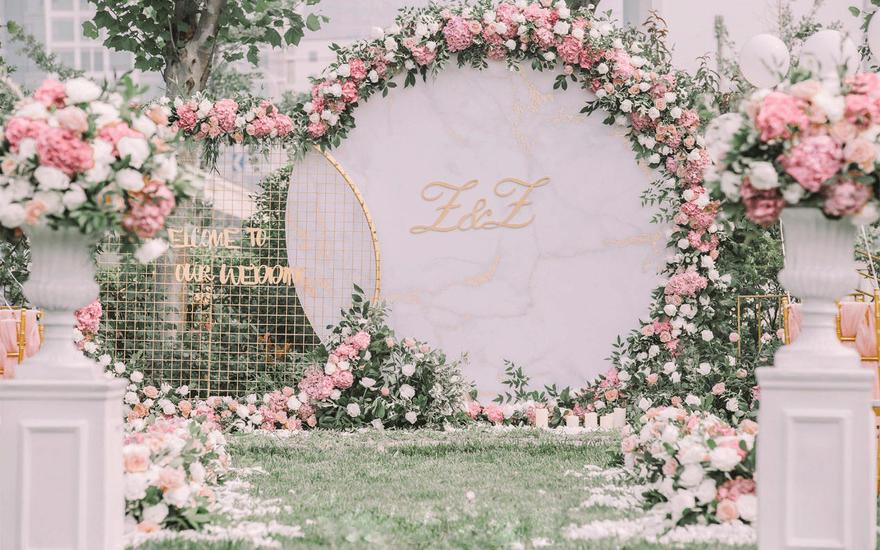 各路小仙女都能驾驭的粉粉户外婚礼