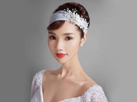 圣丹妮资深造型师新娘跟妆