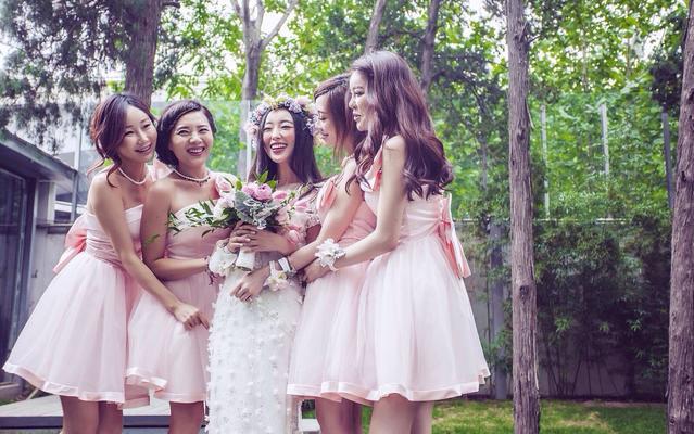 秘密花园主题—Hello魔镜高级婚纱礼服设计定制