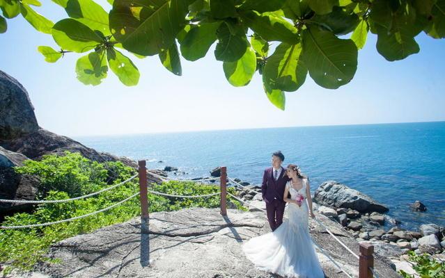 一湾椰影三面海,水琼天碧处处花  旅图美客欣赏