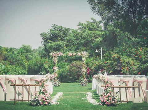 爱久创意婚典--鲜花户外草坪嫩小清新高性价比婚礼
