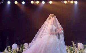 【黛莉露丝】品牌大拖尾婚纱3件套 送伴娘服5套内