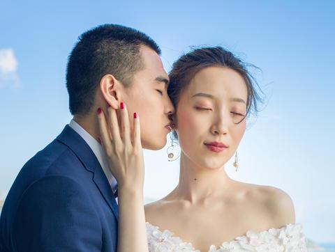 艾丽美妆馆资深总监时尚新娘全天跟妆+亲友妆
