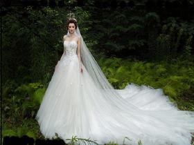 K女王  |  爆款新娘礼服