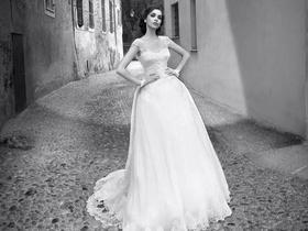 樱花雨夜` 国际设计师品牌奢华婚纱套餐