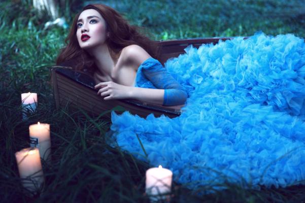 VIAN薇安婚纱造型|梦幻蓝色
