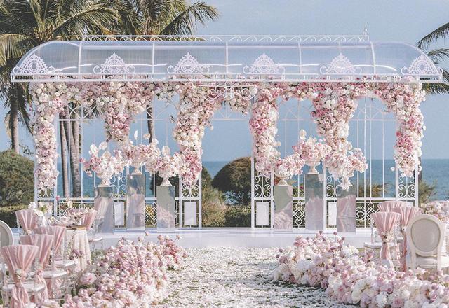 浪漫海边婚礼 | 粉色花朵的世界