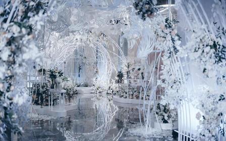【她走在我的光影里】梦幻白蓝主题室内婚礼/含四大