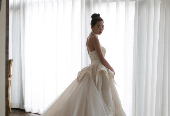 复古婚纱系列-蕾丝钉珠,立体花拖尾