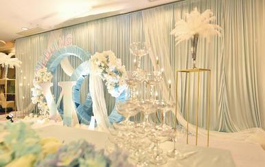 静谧蓝婚礼 羽毛花艺设计效果满分