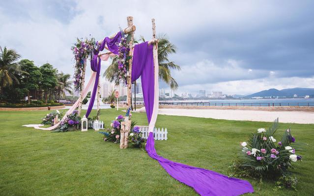 缘鼎婚礼-浪漫简约海边草坪婚礼-可爱的你