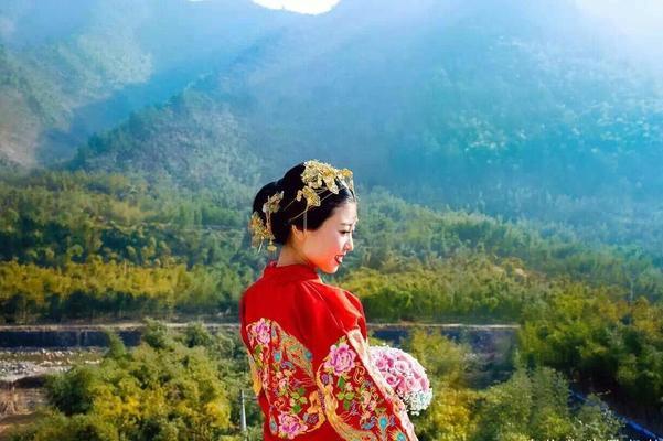 【摩可美妆】婉约端庄的传统中式新娘