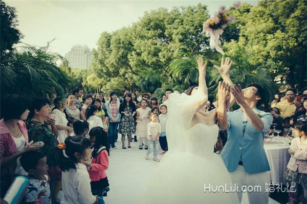 上海婚假包含周末吗_婚假包括周末吗?2018婚假国家规定【婚礼纪】